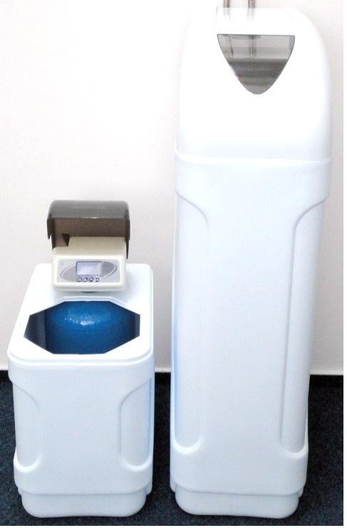 AZK automatický změkčovač kabinetní